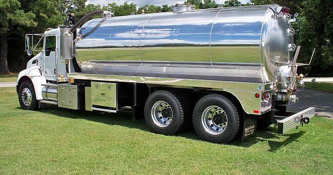 The Best Features to Have on Your Septic Tank Truck