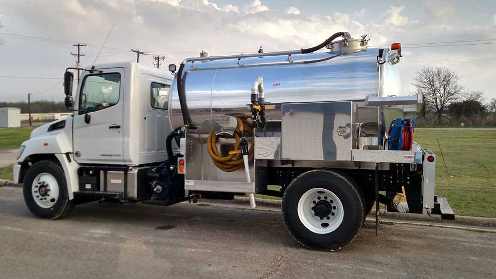 What is the Best Vacuum Tank Material for an Industrial Truck?